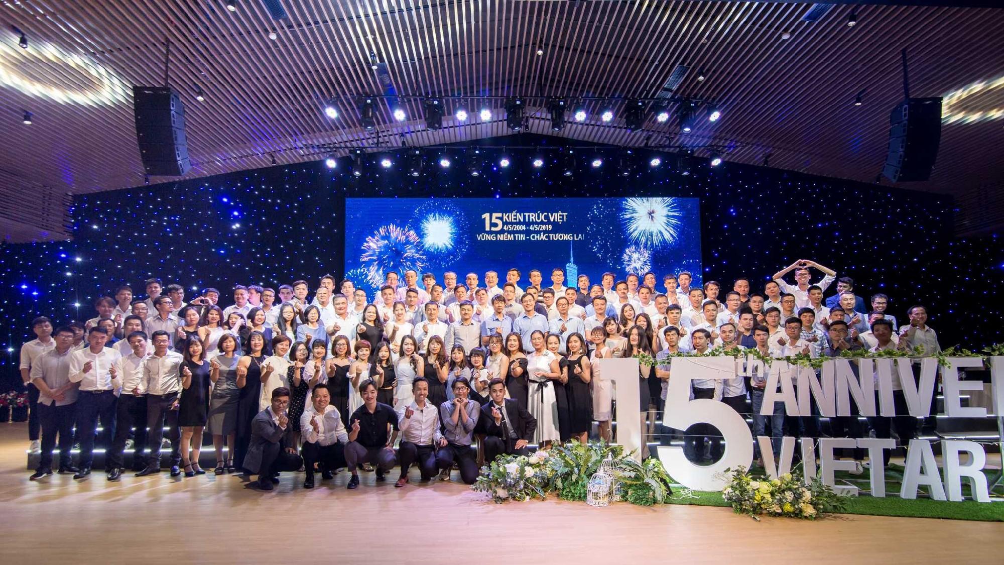 Gala Dinner kỷ niệm 15 năm thành lập Công ty